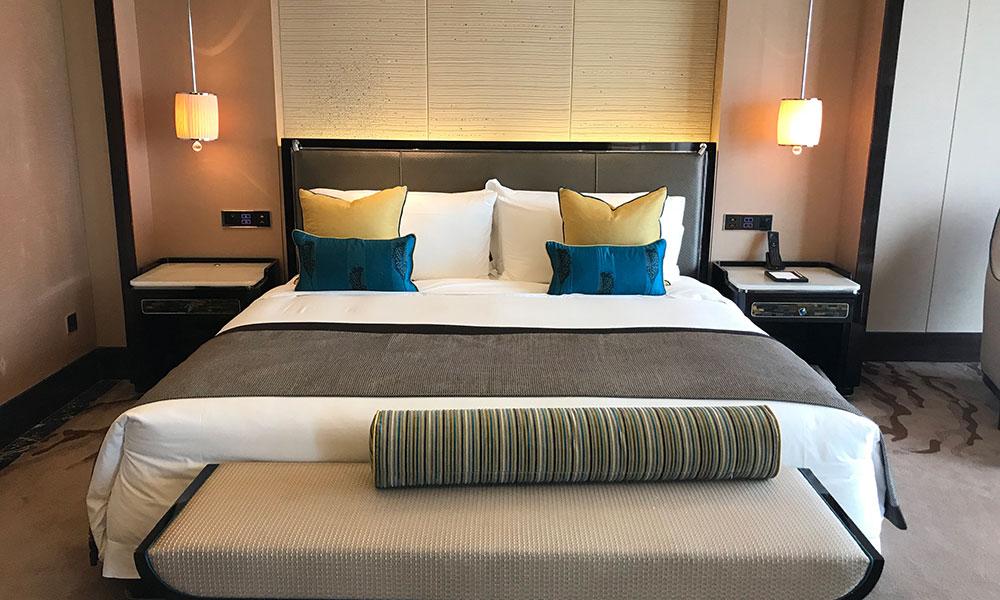 谈一谈酒店家具定制与保养的若干问题